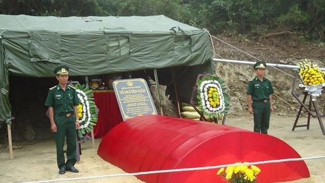 Ảnh mới nhất về mộ Đại tướng: Hàng nghìn người vẫn đến mỗi ngày