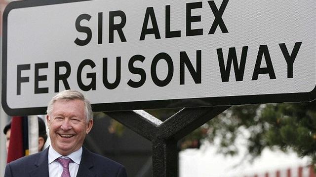 """TIN VẮN CHIỀU 15/10: Man United """"nát"""", Sir Alex vẫn lạc quan"""