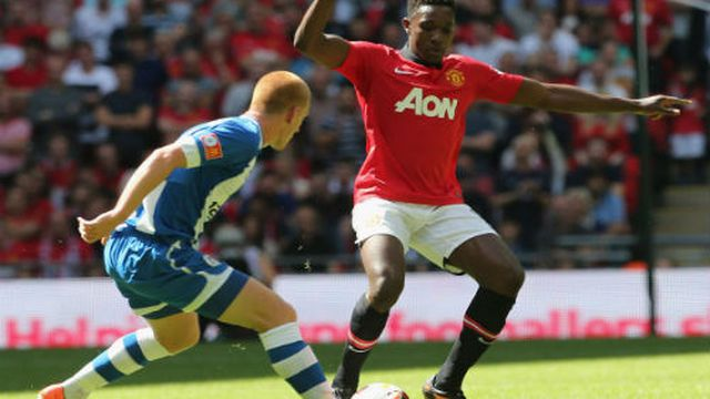 Danny Welbeck có thể thay thế Rooney?
