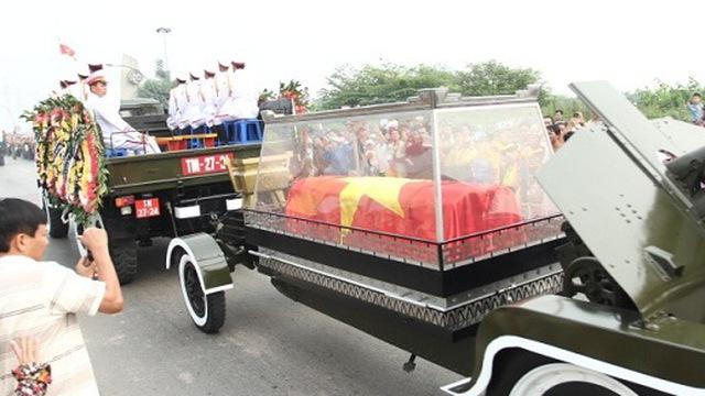 Hà Nội tiễn đưa Đại tướng, Quảng Bình đang đợi Người về