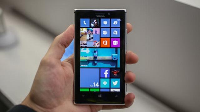 Lumia 925 - Chiếc điện thoại có màn hình sáng nhất thế giới