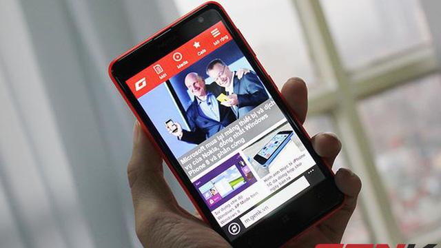 Cận cảnh Nokia Lumia 625: Smartphone khổng lồ có mặt tại Việt Nam