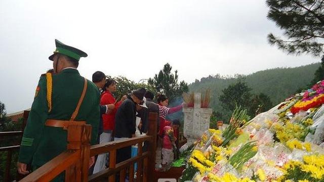 Sáng 21/11: Tạm dừng đón khách viếng mộ Đại tướng tại Vũng Chùa