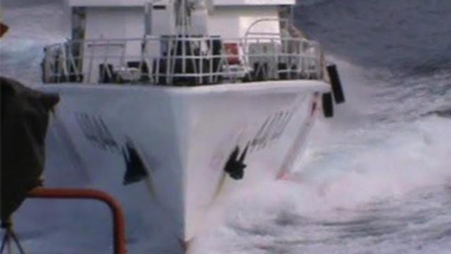 Video: Cận cảnh tàu Trung Quốc tiếp tục uy hiếp tàu Việt Nam