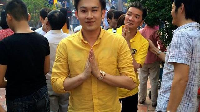 Khoe tập tiền 200 nghìn mừng tuổi, Dương Triệu Vũ bị 'ném đá'