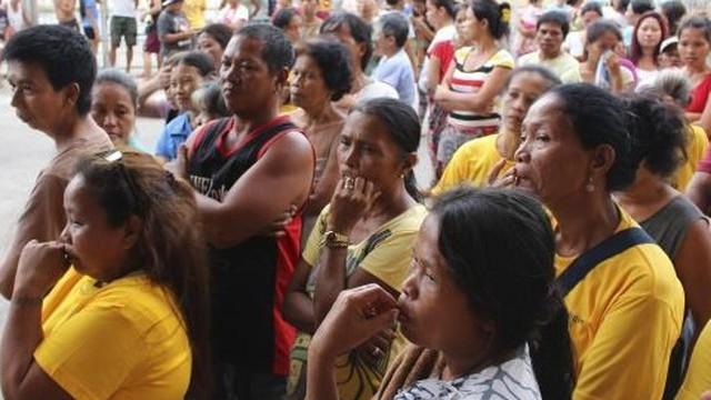 Ảnh: 500.000 người Philippines hoảng sợ tránh siêu bão Hagupit