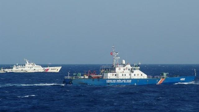 Trung Quốc tiếp tục dùng tàu tốc độ cao húc, ủi tàu Kiểm ngư