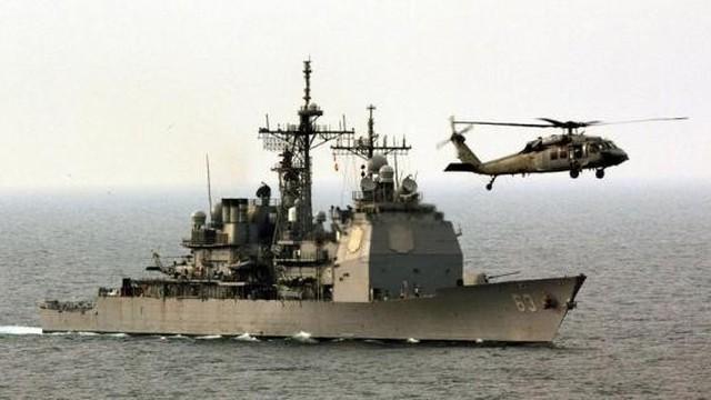 Washington tiết lộ lý do tàu Mỹ-Trung suýt đâm ở Biển Đông