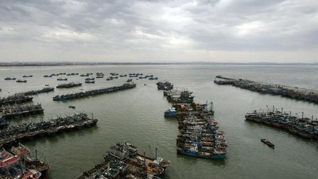 """Lật tẩy chiêu bài """"dân sự hóa quân sự"""" của Trung Quốc ở Biển Đông"""