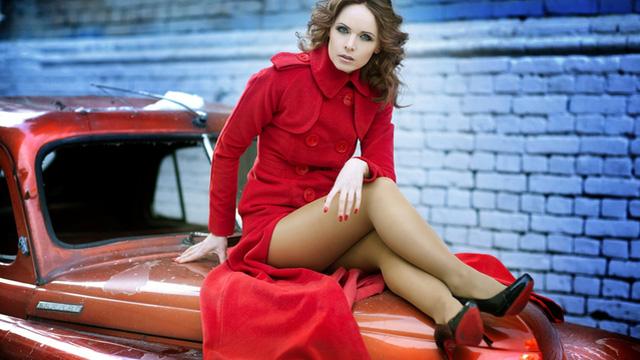 Nhan sắc người đẹp bí ẩn bên cạnh Nữ hoàng cách mạng Cam Ukraine