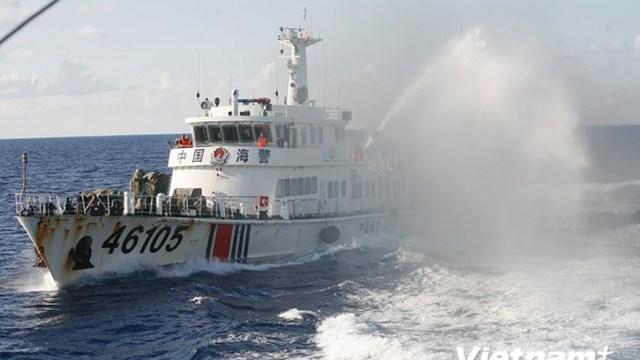 Từ Hoàng Sa: Tàu Trung Quốc đâm thủng tàu Việt Nam