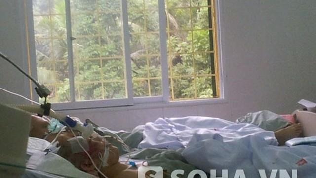Vụ đâm xe ở Xã Đàn: Sau 12 ngày, nữ sinh vẫn hôn mê bất tỉnh