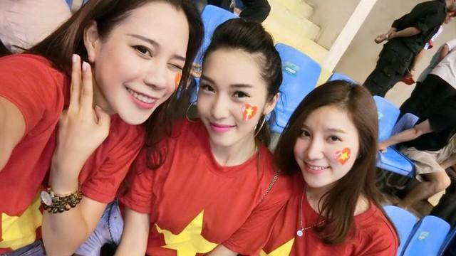 Emily, Hạnh Sino đọ sắc dàn hot girl Triều Tiên