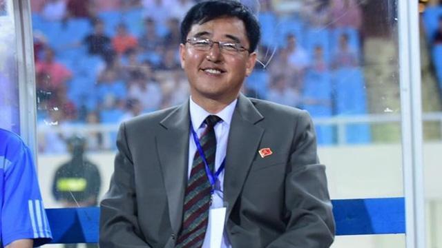 """HLV Triều Tiên tiếc vì không mang đủ """"hàng khủng"""" sang Việt Nam"""