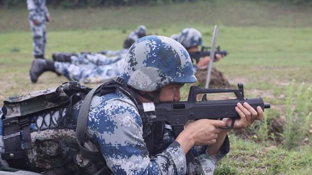 QCW-05 - Tiểu liên giảm thanh nhỏ gọn của Trung Quốc