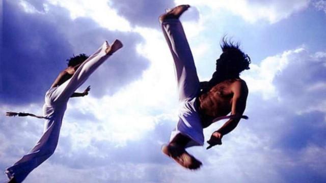 """So sánh """"cú đá Brazil"""" với Karatedo, Muay Thái và Taekwondo"""