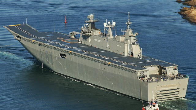 5 siêu tàu đổ bộ tấn công đáng sợ nhất thế giới
