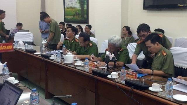 Vụ khởi tố chủ quán Xin chào: Có phần vội vã và máy móc