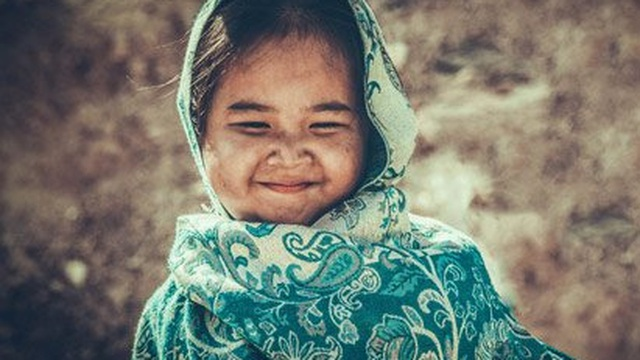 Chân dung cô bé 5 tuổi đóng phim cùng Hoài Linh