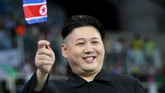CĐV bí ẩn y hệt Kim Jong-un tại Olympic Rio
