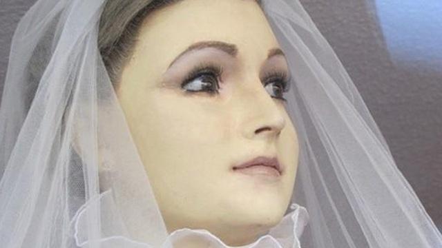 """Bí ẩn """"xác ướp"""" cô dâu xinh đẹp suốt 8 thập kỷ"""