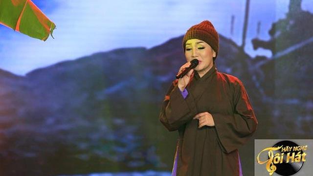 Ca sĩ Hà Vân khác lạ với hình ảnh sư cô thất tình