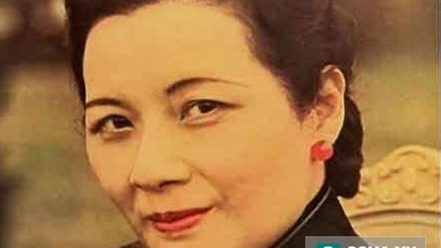 """Hãy học 8 bí quyết trẻ mãi không già """"kỳ diệu"""" của Tống Mỹ Linh"""