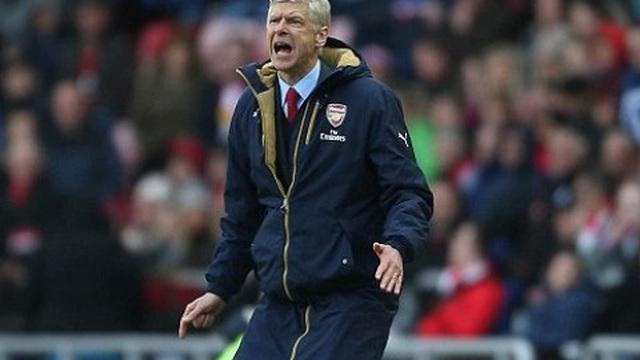"""Jamie Redknapp: Arsene Wenger đã """"tẩy não"""" CĐV Arsenal"""