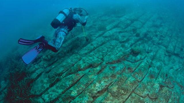 """Thợ lặn thám hiểm phát hiện điều """"không tưởng"""" tại Địa Trung Hải"""
