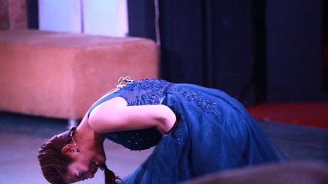 Lưu Kỳ Hương khóc hết nước mắt trong liveshow