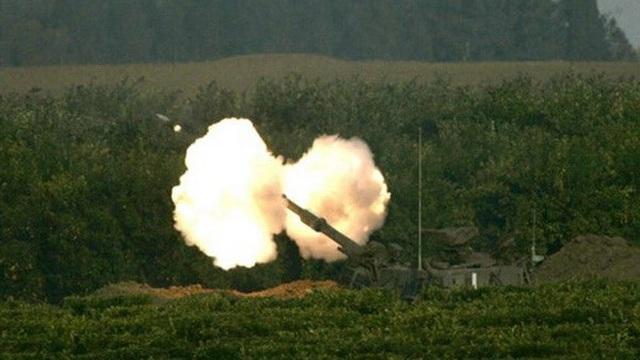 Israel tấn công Syria sau vụ bắn rocket vào cao nguyên Golan