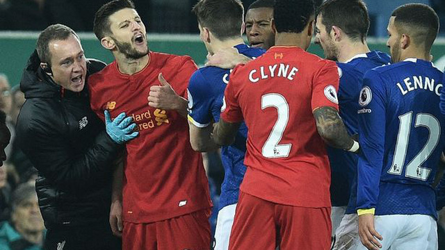 Sau cú tắc bóng ghê rợn với đội trưởng Liverpool, sao Everton được tha thứ bởi điều này