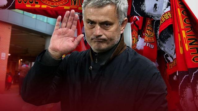 """Man United vung tiền kỉ lục """"chiều"""" Mourinho"""