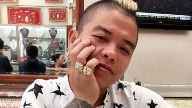 """""""Thánh chửi"""" Dương Minh Tuyền bị khởi tố thêm tội"""