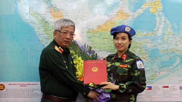 Thượng tướng Nguyễn Chí Vịnh giao nhiệm vụ cho nữ sỹ quan tham gia hoạt động gìn giữ hòa bình Liên hợp quốc tại Phái bộ Nam Xu-đăng