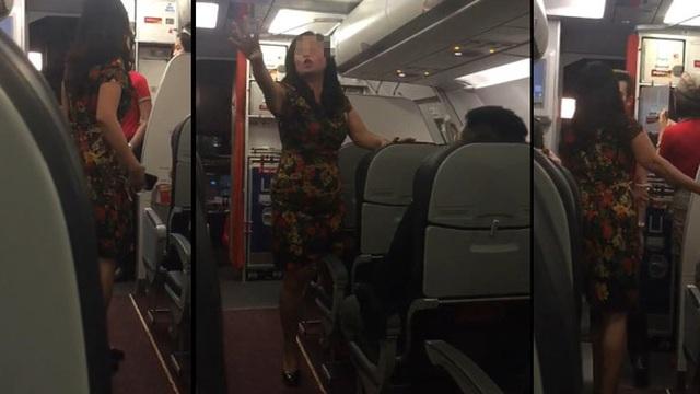 Nữ hành khách chửi bới tiếp viên, hành khách trên máy bay Vietjet Air