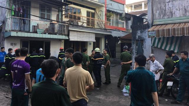 3 mẹ con tử vong trong căn nhà cháy, chồng nhảy từ ban công xuống bỏng nặng