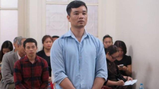 Kẻ trộm xe ô tô chở hơn 10kg vàng ở Hà Nội đòi cắn lưỡi tự tử tại toà