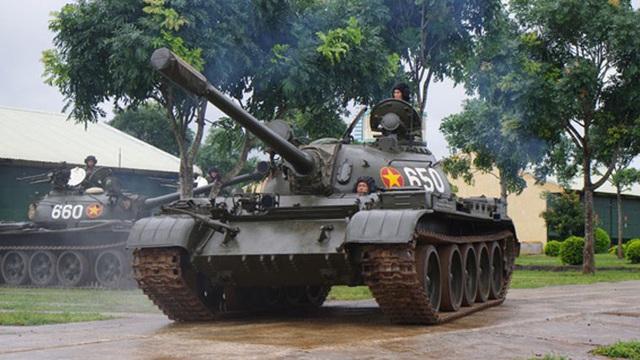 """Đại tá thiết kỵ VNCH không ngờ lại có ngày """"được"""" đi xe thiết giáp của Quân Giải phóng"""