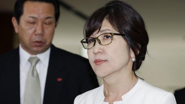 Bộ trưởng quốc phòng Nhật Bản tuyên bố từ chức vì bê bối bưng bít thông tin