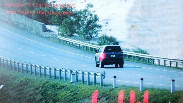 Bị phạt quá tốc độ, tài xế quay clip gây sức ép với CSGT