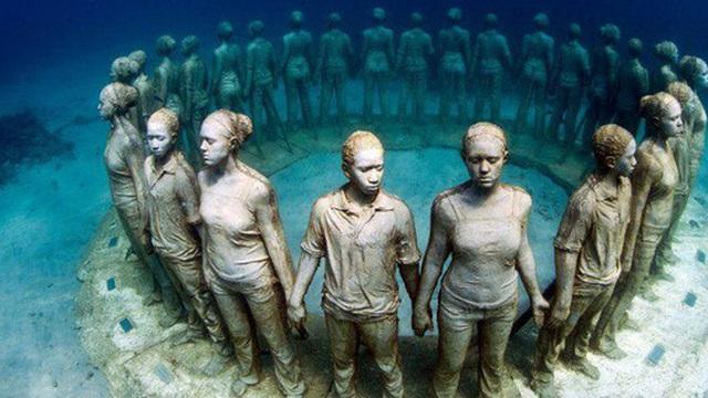 """10 bức tượng """"vô lý"""" nhất mọi thời đại, thách thức tất cả các quy luật vật lý"""