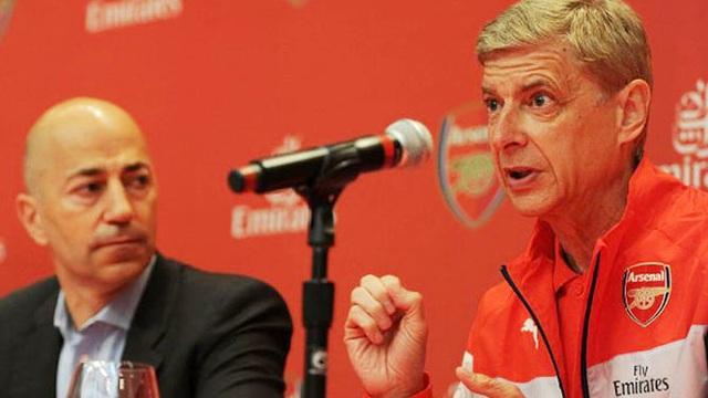 Vấn đề của Arsenal nằm ở thượng tầng, Lacazette chẳng giải quyết được gì