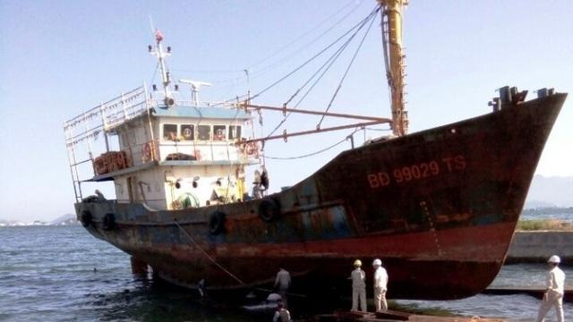 """Vụ """"tàu thép 67"""" hư hỏng: Không đền tổn thất, ngư dân không nhận tàu"""