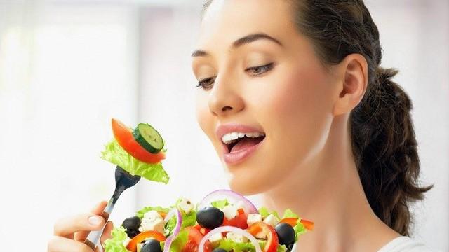 Cảnh báo: Ăn quá vội hại hơn nhiều lần bạn nghĩ!