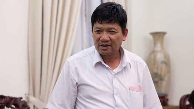 Bố của Đoàn Thị Hương sẽ nói chuyện với con gái qua ống nghe trong nhà giam ở Malaysia