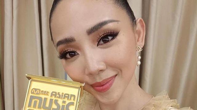 Tóc Tiên được vinh danh tại MAMA 2017