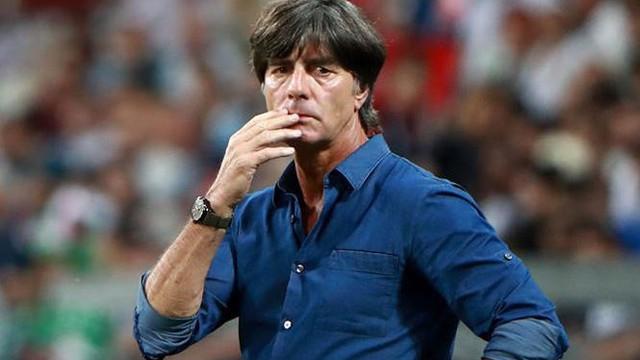 Đức sẽ sa thải HLV Joachim Low nếu thua Pháp