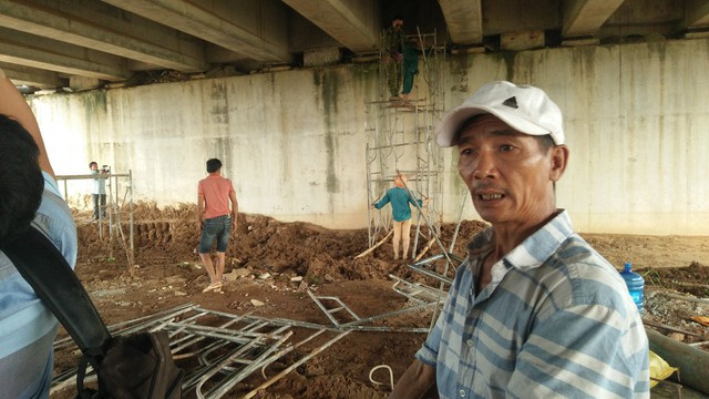 """Cao tốc 34 nghìn tỉ đồng: Nhà thầu Trung Quốc thi công đoạn """"bẹ chuối dưới dạ cầu"""""""