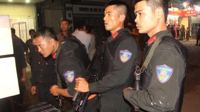 Chuyện về đại úy CSCĐ muốn cởi áo giáp khoác cho gã giang hồ thành Vinh ôm lựu đạn cố thủ